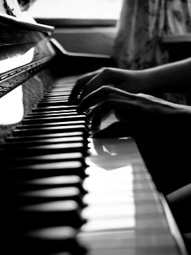 Manchester Piano Lessons Lorraine
